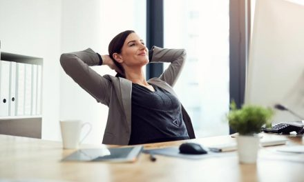 15 practici mindful pentru a fi zen la birou